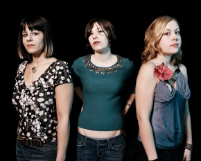 "Sleater-Kinney announce comeback with new album ""No Cities To Love"""