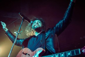 Photos: Gang Of Youths – Corner Hotel, Melbourne (26.08.15)
