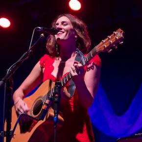 Photos: The Waifs + Mia Dyson – Enmore Theatre, Sydney(05.11.15)
