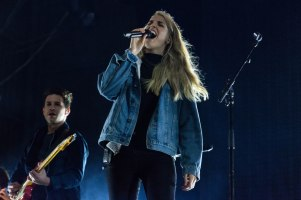 16-12-30-day-2-12-london-grammar-8