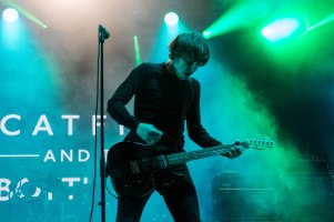 16-12-31-day-3-11-catfish-and-the-bottlemen-13