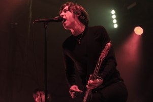 16-12-31-day-3-11-catfish-and-the-bottlemen-3